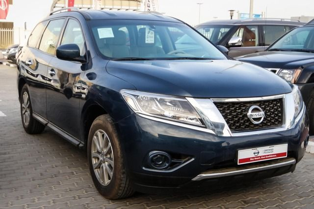 Used Nissan Pathfinder 2015 Car for Sale in Sharjah