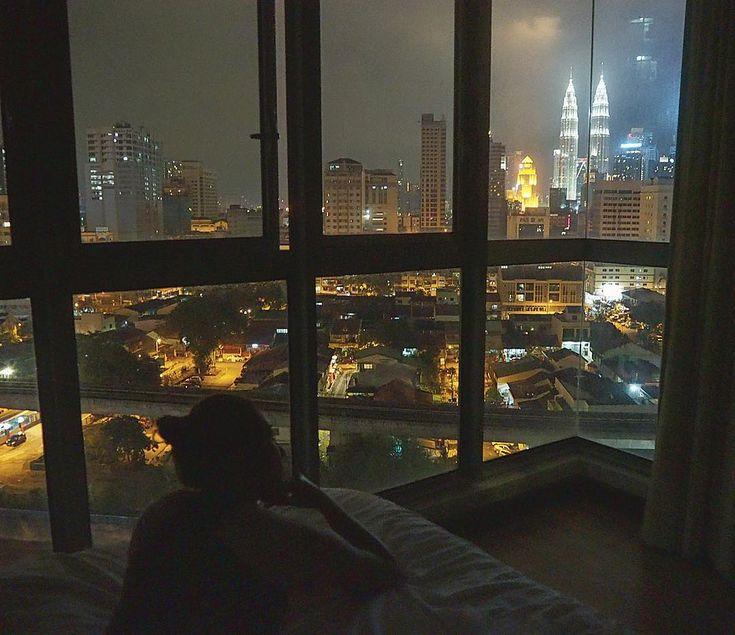 Magic view from my bedroom ✨🌃Good night Kuala Lumpur 💤🌝 #goodnight #city #view #citybynight #kualalumpur #malaysia #lights #stars #moon #magic #night #skyscraper #petronastowers #love #citylights #photo #picoftheday #photographer #cityphotography #thebest #travel #amazing #podróże #travelandkeepfit #girl #dream #stunning #colourful #lifeisgood #followme