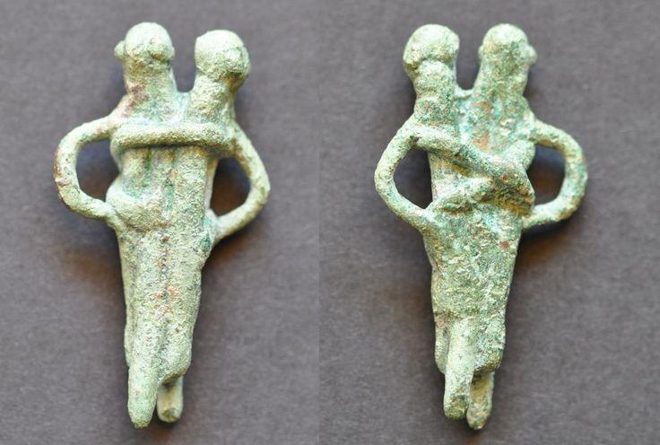 Amlash bronze figurine 5, 1st millenium B.C. 4.3 cm high, 14.5 gr weight. Private collection