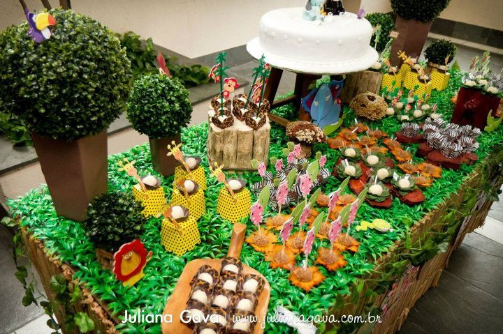 17 best images about safari theme baby shower on pinterest for Animal party decoration
