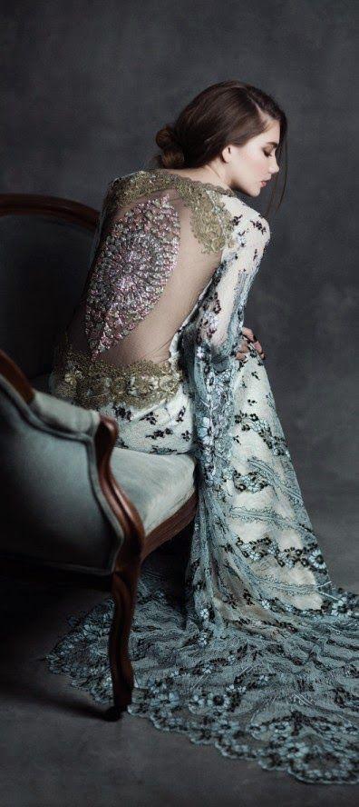 Elegantes vestidos de novias   Coleccion Ángel Gótico