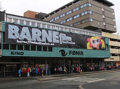 Alle typer bannere til innendørs eller utendørsbruk. banner, reklameseil og fasadeseil, reklamebanner, fasadebanner, tekstilbanner, reklameseil.