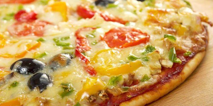 Asta e cea mai buna pizza, facuta de la zero, cu blat de casa