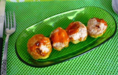 Albóndigas de pavo o pollo rellenas de quesito (apto dieta Dukan)