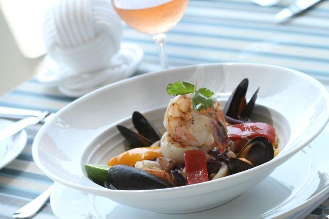 Si te gusta la #gastronomia de mar,  En Marea by Rausch podrás probar platos como el arroz caldoso con #mariscos que ves aquí.  Conococe otros platos del menú en http://www.mareabyrausch.com/?page_id=52