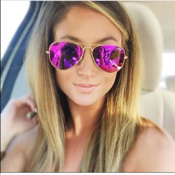 Authentic Ray ban aviator 58mm flash Pink/Purple Brand new RB aviator mirrored Pink/purple comes with case Ray-Ban Accessories Glasses