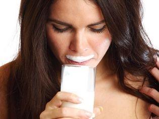 MÉNOPAUSE : LE BON RÉGIME ANTI-OSTÉOPOROSE  http://www.topsante.com/manger-mieux/mon-alimentation-sante/Menopause-le-bon-regime-anti-osteoporose