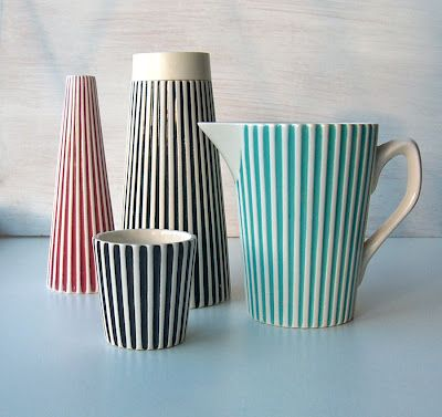 This fluted striped tableware with inlay colour is called Summit. It was made by Hornsea Pottery, England between 1960 and 1965.