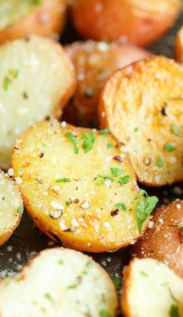 Garlic Parmesan Roasted Potatoes