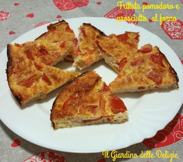 La frittata pomodoro e prosciutto è una gradevolissima soluzione per una cena veloce semplice ed appetitosa, buona anche come antipasto