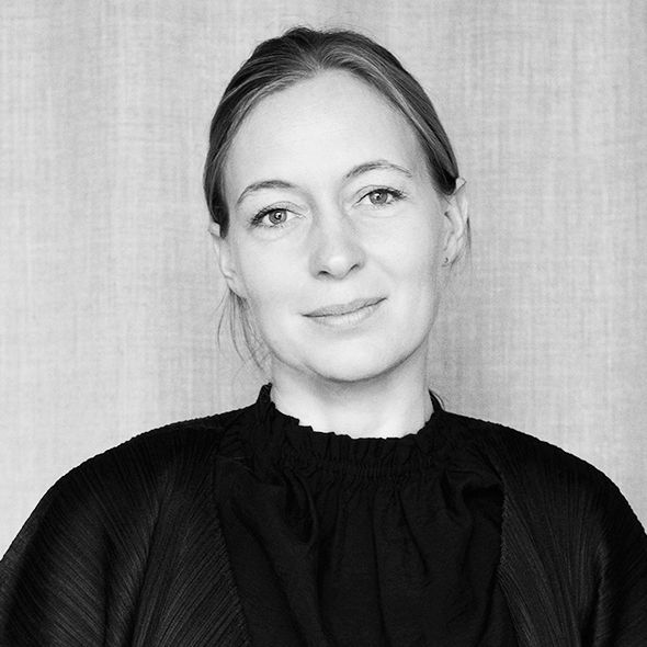 Cecilie Manz is a recognised Danish designer, who has won several major design awards and collaborated with the major Danish design companies. Her designs often focus on simplicity and functionality, where honesty and authenticity really cut to the core.