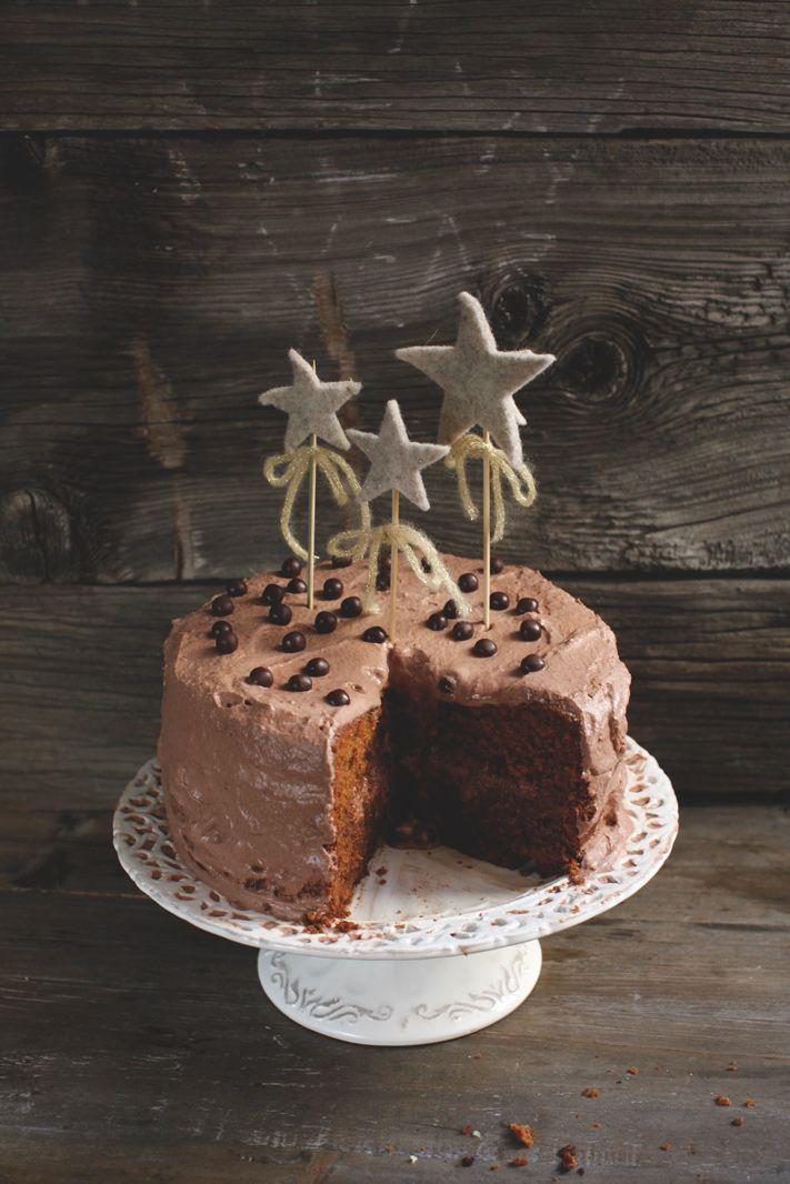 Cake topper made by Il Ricamificio - Forni di Sopra. http://www.piciecastagne.it/2014/12/30/torta-al-caffe/