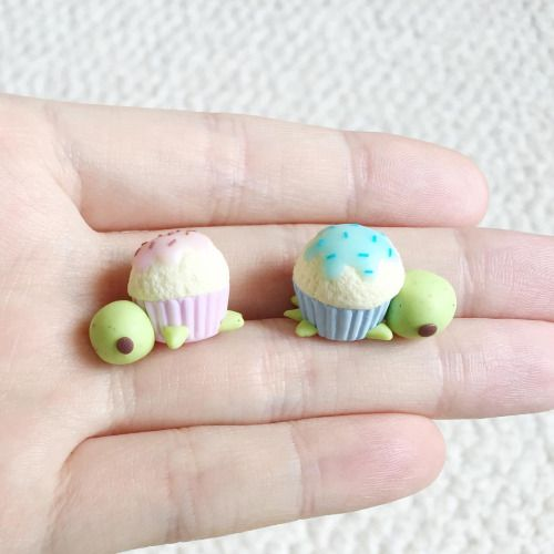 Tutorial on how to make these little cupcake turtles