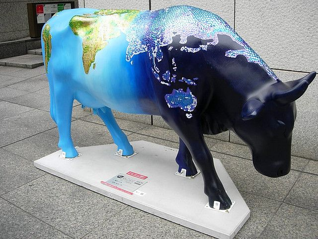 """""""World Map"""" at the Cow Parade in Tokyo, Japan, 2006 - photo by Elisabeth S. (SafranYuzu), via Flickr"""