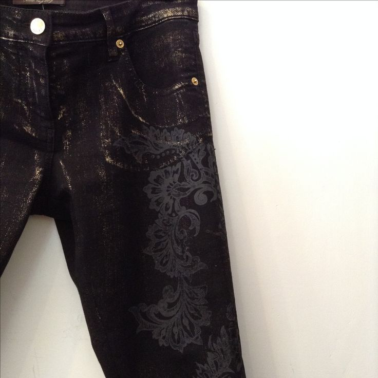 Roberto Cavalli black skinny jeans with gold details. Size 27. Floral velvet pattern is on. Made in Italy. Swipe left for more detail shots.  Please call (949) 715-0004 for all inquiries.  #havoccoture #couture #designer #consignment #luxuryconsignment #lagunabeach #fashion #style #luxury #stylish #luxuryshopping #shoes #heels #outfit #purse #handbag #jewelry #shopping #glam #readytowear #madeinitaly #robertocavalli #OC #orangecounty #LA #losangeles