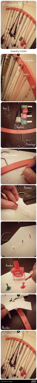 Easy jewelry holder