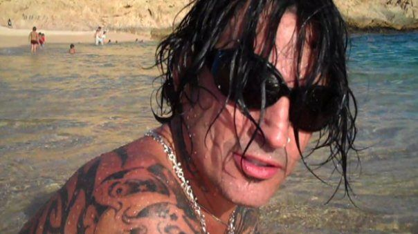 Tommy Lee released a Greek manifesto on his facebook page describing the reasons of why he is a proud Greek. Read his statement!