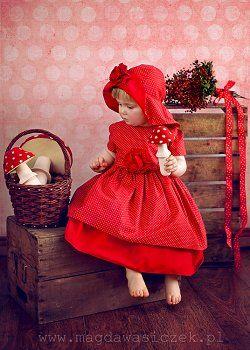 Elegancka sukienka wizytowa dla dziewczynki Olli, to sukienki dla dzieci modne i doskonałej jakosci. Sukienki balowe dla dziewczynek swietni...