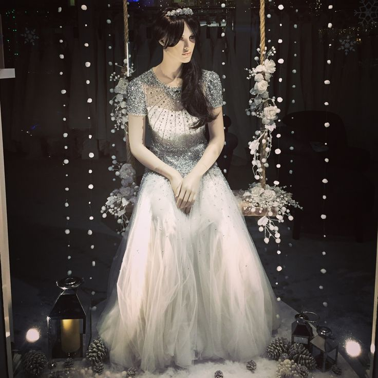 House of Snow Window Display #houseofsnowbridal #MoreMannequins #FemaleMannequins