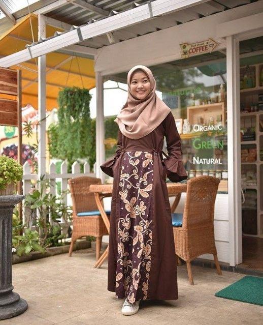 Model Baju Gamis Batik Kombinasi Kain Polos Modern Lengan