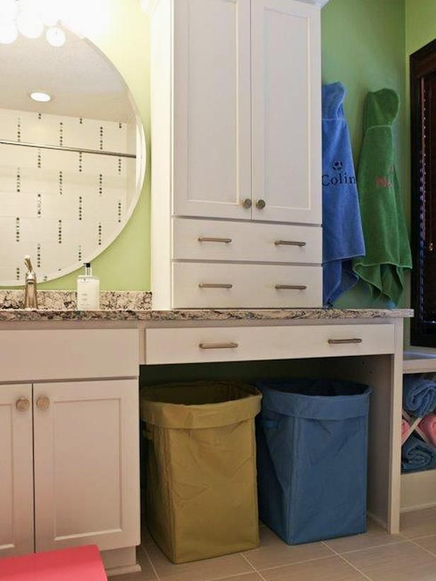 Transitional | Bathrooms | Shelly Riehl David : Designers' Portfolio : HGTV - Home & Garden Television......Very functional looking for a family/kids bathroom.