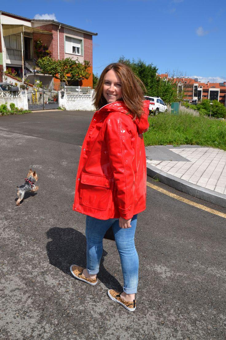 Impermeable Rojo Red Raincoat  www.yohanasant.es