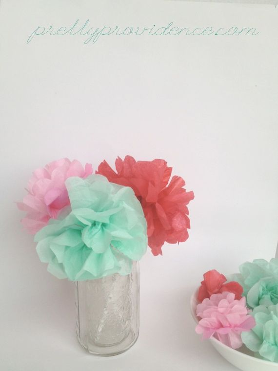 Mini Pom Pom Centerpiece