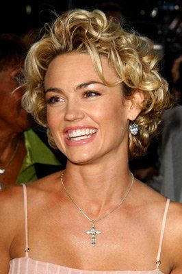 Kelly Carlson looks like Kate Upton here!! Kelly Carlson is famous for her role as the emotionally unstable model Kimber Henry on the hit show Nip/Tuck.