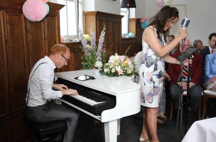 #Trouwceremonie, #toast en #diner met live #muziek in het Koetshuis #Rotterdam. #bruiloft #trouwen #wedding