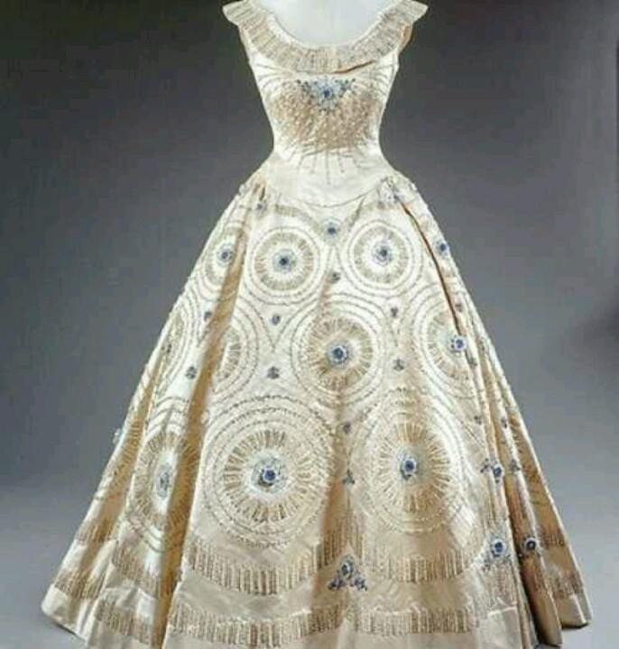 Queen Elizabeth Ii Dress 1950 S British History