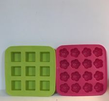 Lot Of 3 Ice Cube Trays Squares Flowers Excellent