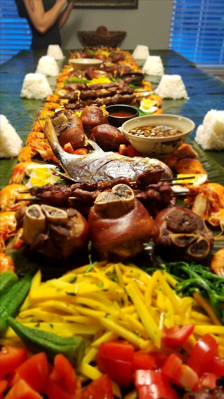 Filipino boodle fight Early Thanksgiving 2016 Recipes