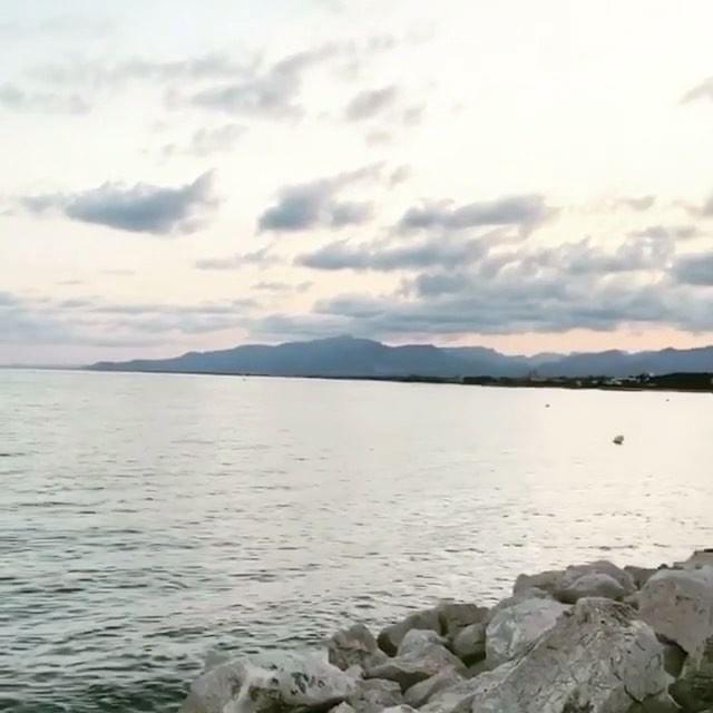 #Repost @queenkongg (@get_repost) ・・・ #cambrils#beatchpoint#beautyday#vacations#summer#sea#amazing#xarxadelport