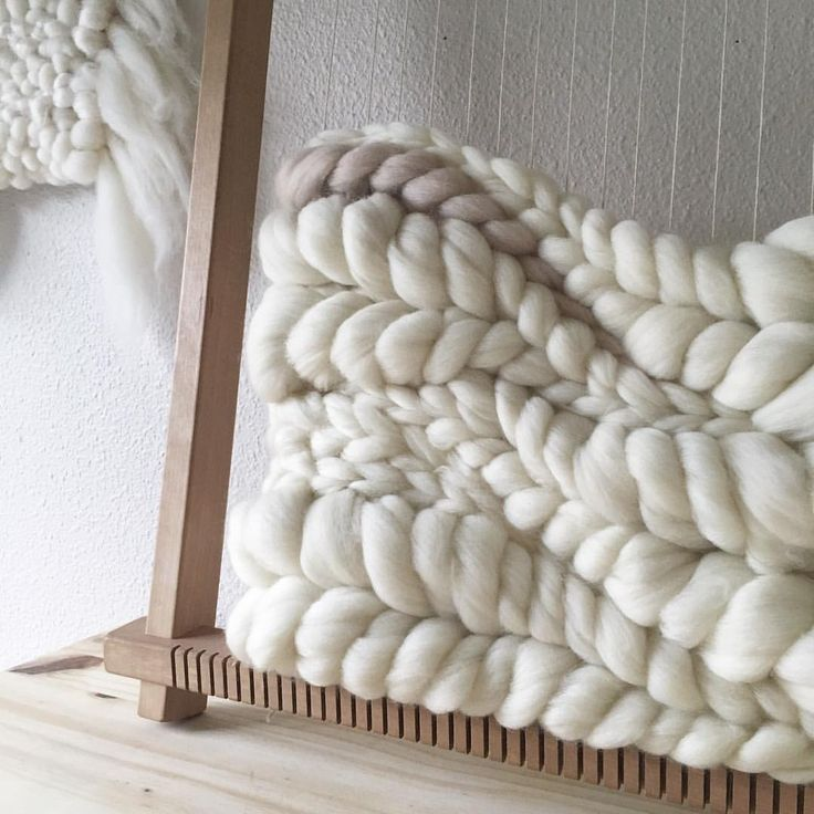 Woven wool roving wall hanging by Jeannie Helzer @jeanniemakes