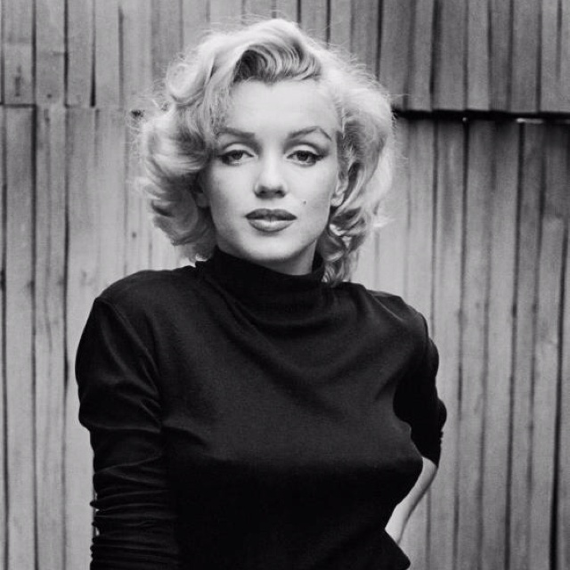 Pretty. Love black & white picturesCasual Attire, Marilyn Monroe Quotes, Beautiful Women, Style Icons, Marilynmonroe, Norma Jeans, Alfred Eisenstaedt, Marylin Monroe, Role Models