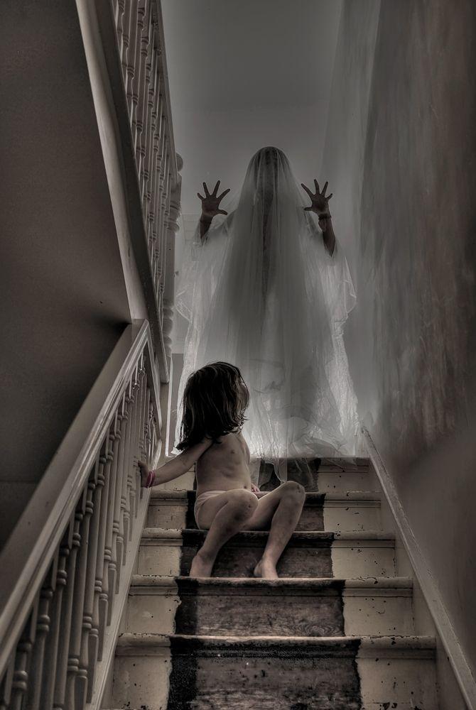 Creepy Pictures Of Hidden Ghosts