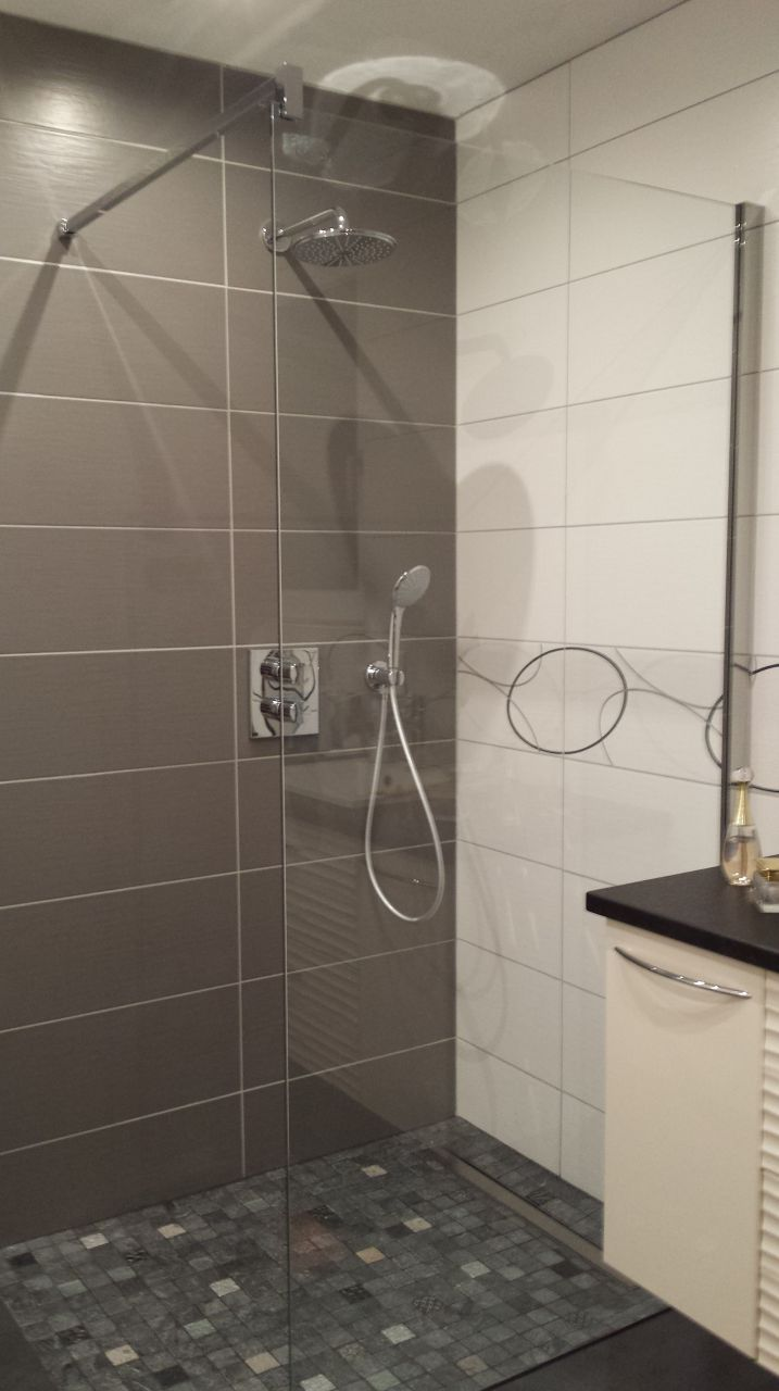 53 best salles de bain images on pinterest. Black Bedroom Furniture Sets. Home Design Ideas