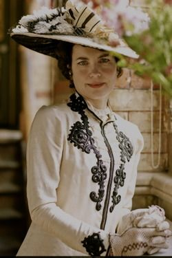 Tumblr: Cora, Countess of Grantham (Series 1 of Downton Abbey)