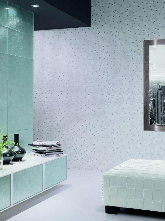 Kleinformatige-Fliesen-Mosaik-Gestaltungsideen-Badezimmerwände