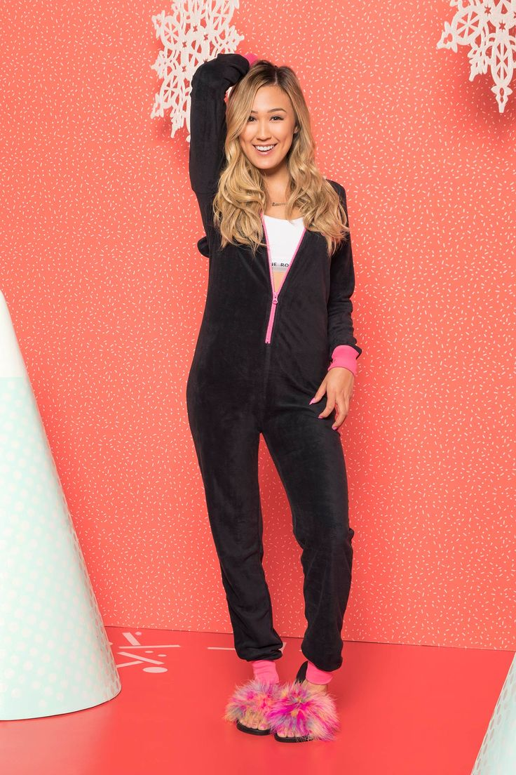 [Ardene] - <p>LaurDIY x Ardene collection. Lounge around like a panda! Light fleece onesie. Long sleeves. Zipper closure. Hood with panda face. Ribbed wrists and ankles. 100% polyester.                                            </p>