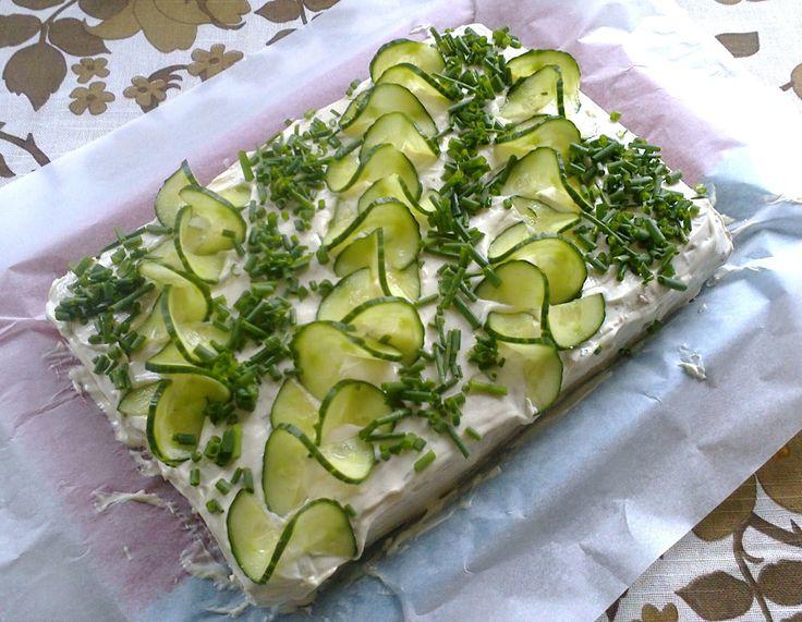 Ituhippielämää: Vegaaninen voileipäkakku