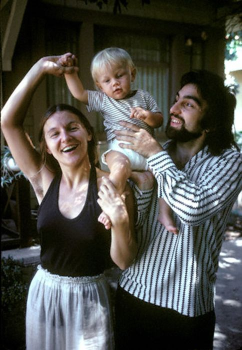 Baby Leonardo DiCaprio with his mom and dad (1976)