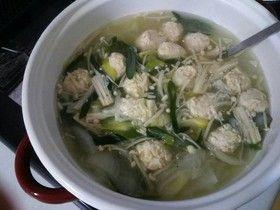 鶏団子の中華スープ。