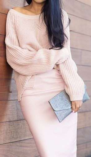 Pastel pink sweater and pencil skirt