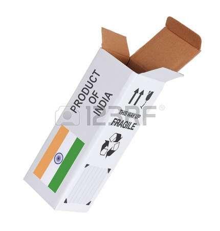 Concepto de exportación, abrió la caja de papel - Producto de la India