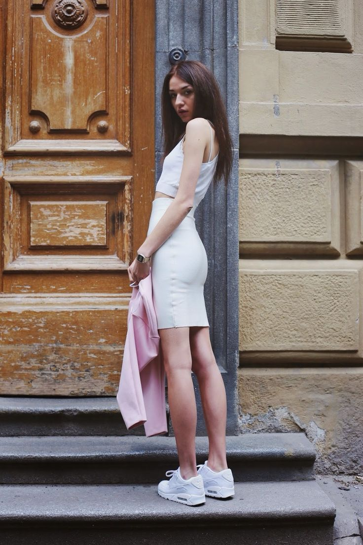 Girl + White Air Max 90 via Bronkabanikova Fashion