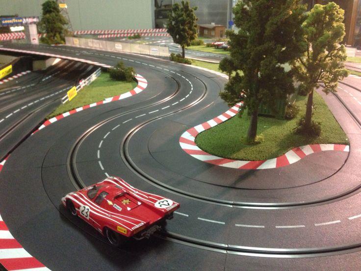 porsche 917 slot car brm 1.24 on molettaring slot track