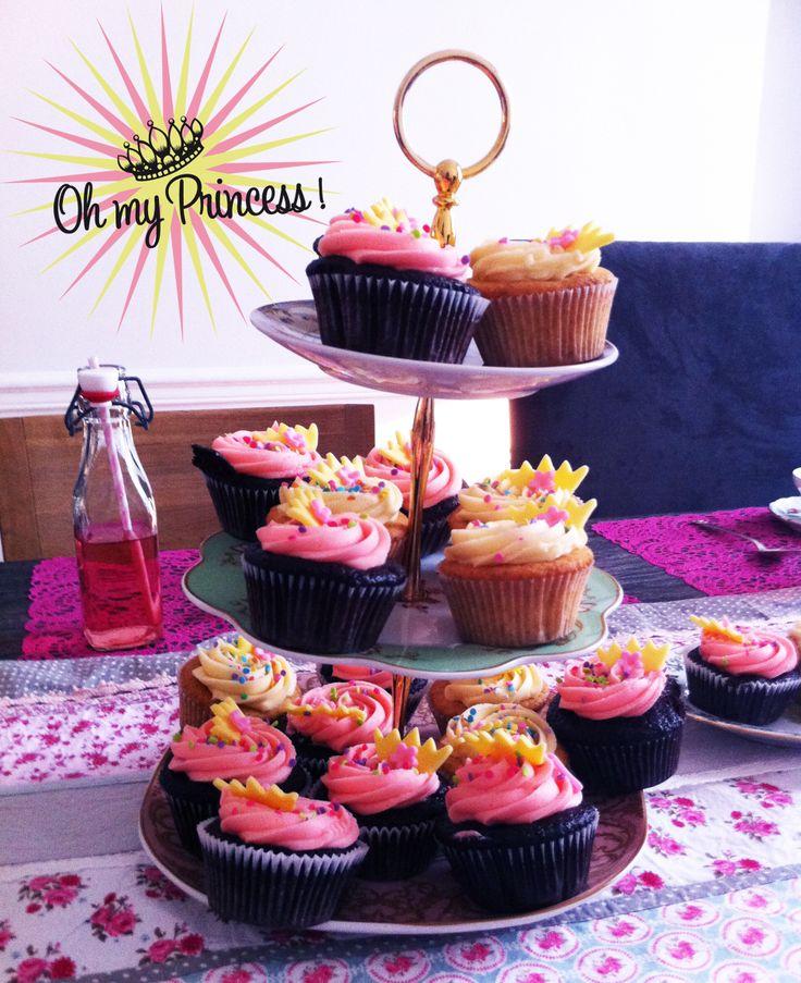 Photo d'un goûter Oh My Princess. Cupcakes pour un anniversaire de princesse, une Tea Party.