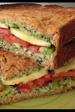 Veggie Sandwiches with Creamy Kale Spread...Creamy Kale Spread: ■1 cup dinosaur kale