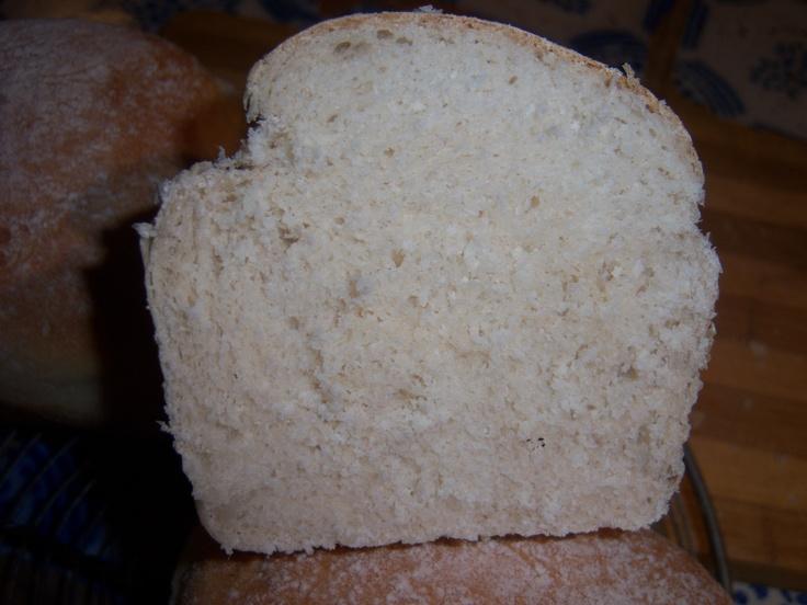 Pan de molde de la panaderia londinense St. Jhon. Super liviano, ideal para un sandwich tostado, como el que hacen en St John de bacon y se dice que es el mejor de Londres. Así me salió.